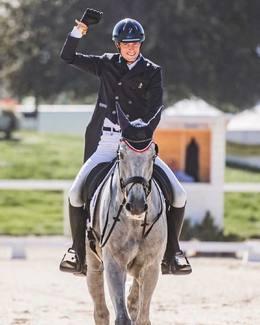 Une belle entrée en matière pour la Team France 🇫🇷 a @iena.avenches!  Mention spéciale à la magnifique reprise de @maxime.livio et Api!  🍀💪🏻🤞pour la suite #tacanteautaquetcomplet 📸 @sorayaexquis  // #tacante #tacantefamily #madeinfrance #eventing #complet #cce #championnatsdeurope #equestrian #equestrianstyle #ecurielivio @montginouxmathilde